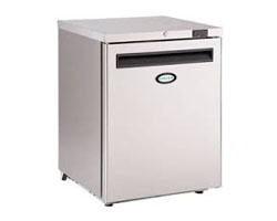 Foster - Undercounter Small Fridge